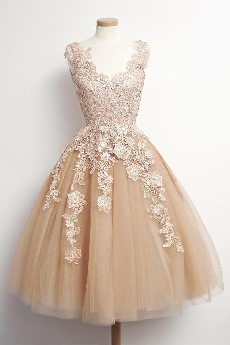 Charming PROM Dress Appliques Homecoming Dress Tulle Homecoming Dress Noble Short Prom Dress